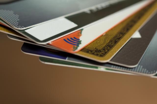 慶應生のクレジットカード事情&カードを持つメリット・デメリットを考える